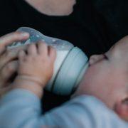 bayi minum asip basi