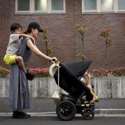 Mendadak Jadi Single Parent, Harus Bagaimana?