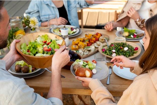 makan bersama keluarga